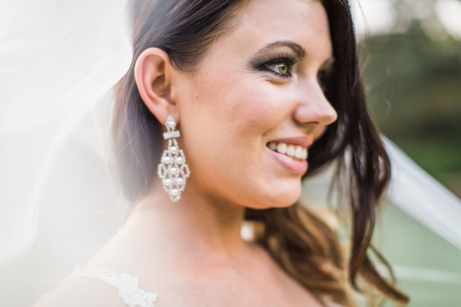 J'lainne Reznik bridal photography in Fort Worth Texas at the Fort Worth Botanical Gardens